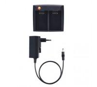 Быстродействующее зарядное устройство Testo для двух аккумуляторов